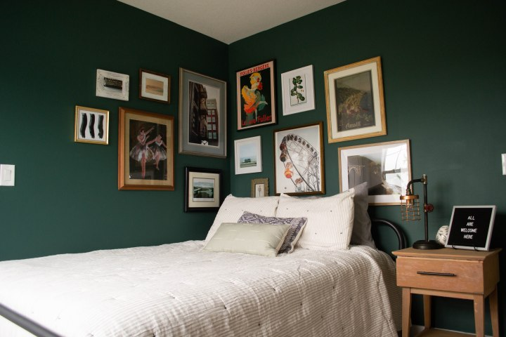 How to Create an Eclectic GalleryWall